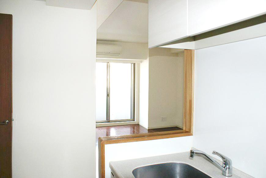 リビングからキッチンを見ることが可能です。