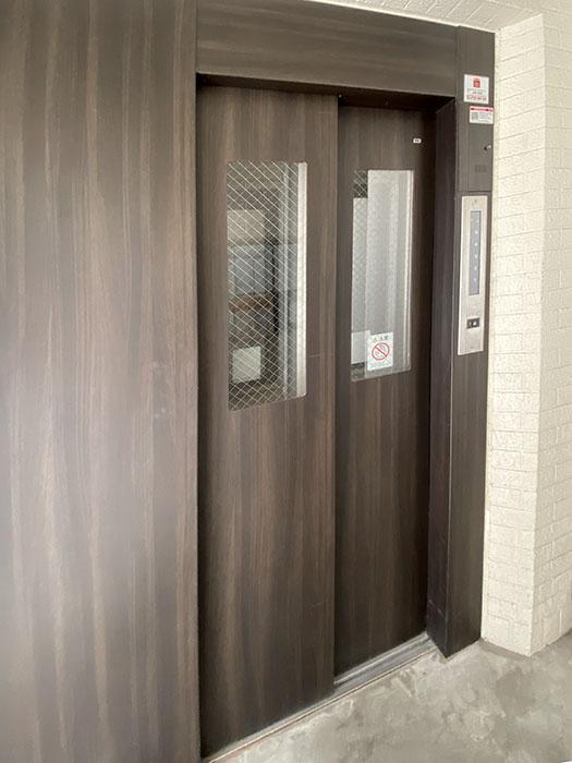 シーズンコート本陣駅前エレベーター