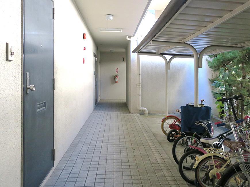 自転車置場と共用部