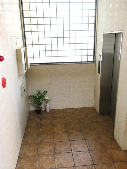 10_1階EVホール