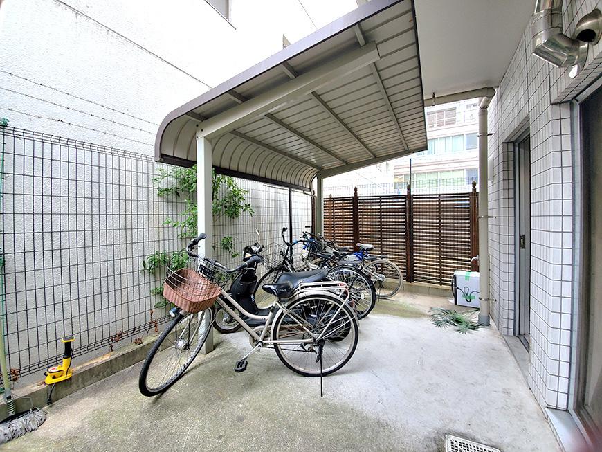 08自転車置き場