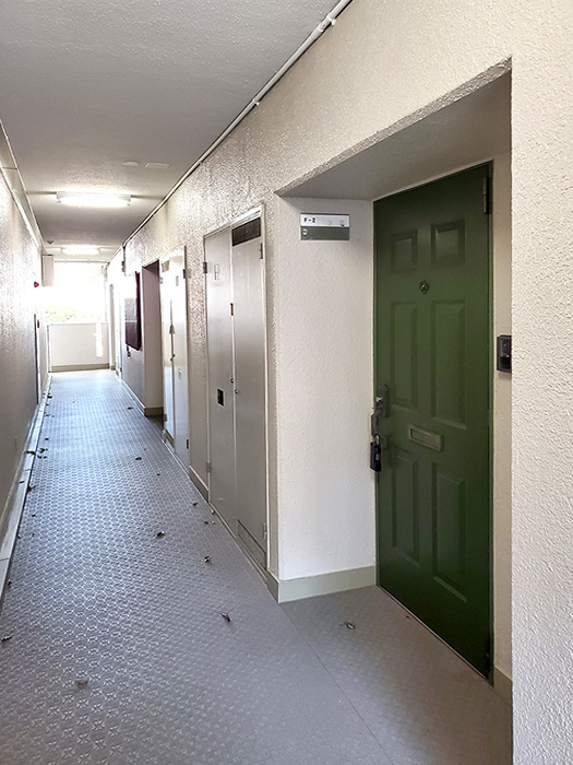 5_2階共用部廊下