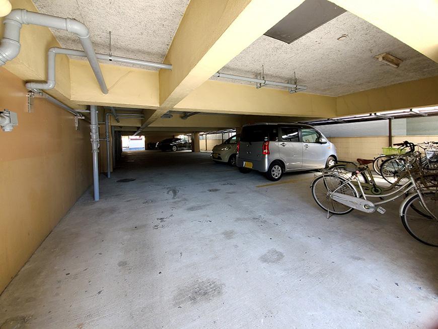 3_駐車場