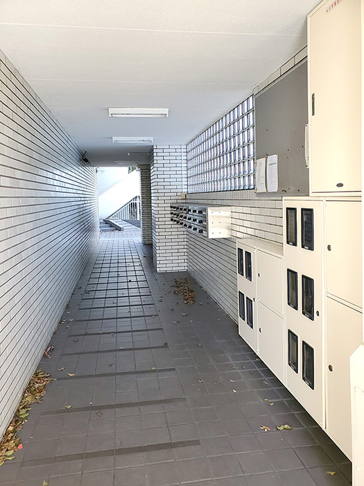 4_1階共用部廊下