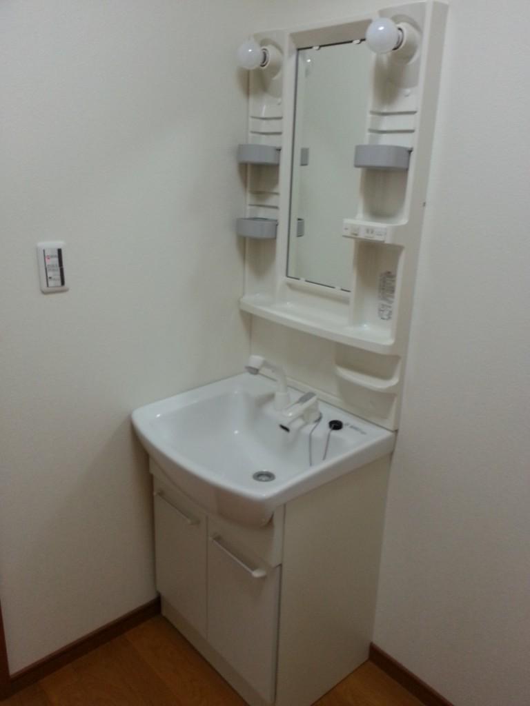 シャンプードレッサーの洗面。20140713_113816