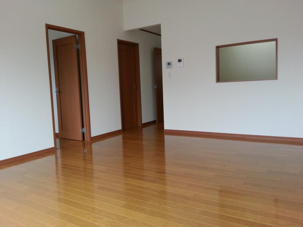 建物は二階建ての2LDKメゾネットタイプ。20140713_114248