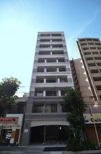 建物は10階建てのデザイナーズマンション。DSC_7919-01