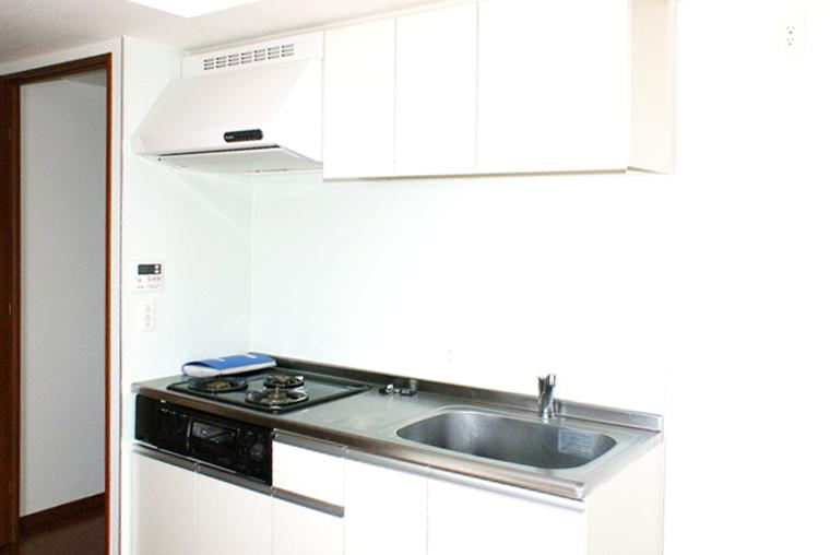 キッチンは、お料理好きに嬉しいグリル付きガスコンロ。