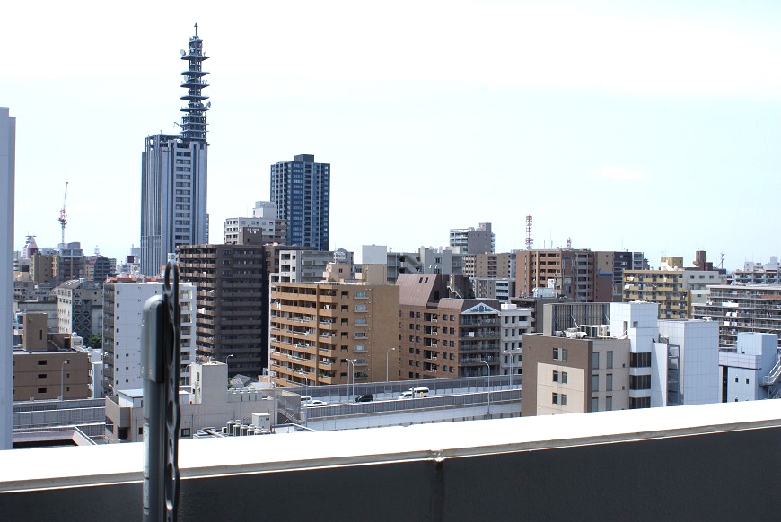 高い建物なので、遠くまでいろんな建物を見渡せます。