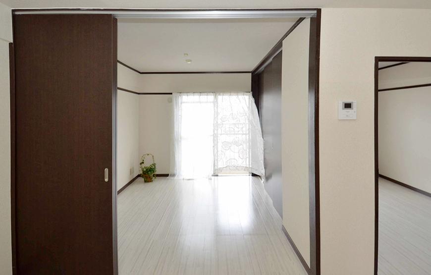 玄関からベランダは南北に一直線21_リビング個室_1201