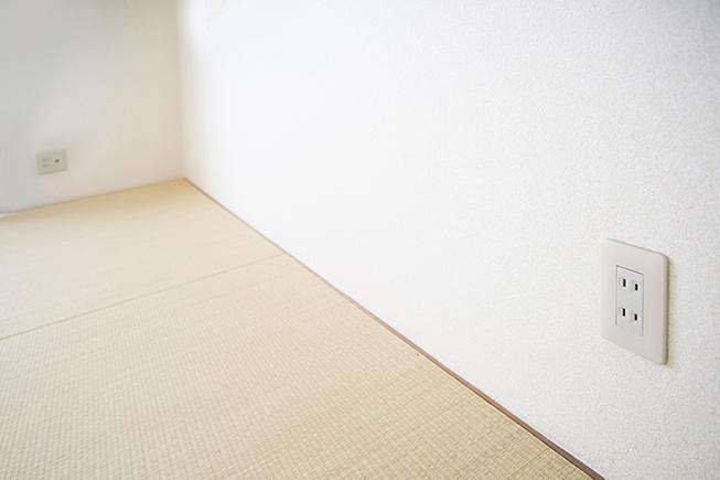 和室にはコンセントもきちんと完備されています。