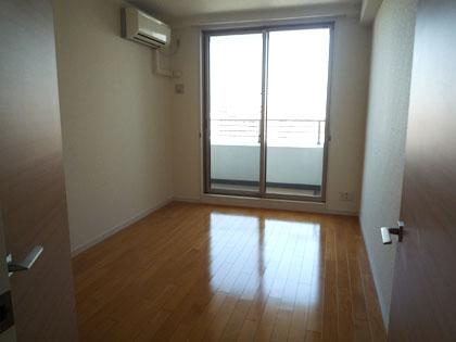 エアコンも完備された、洋室があります。