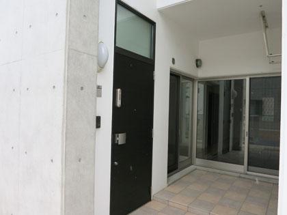 二重ロックのセキュリティの高い玄関扉です。