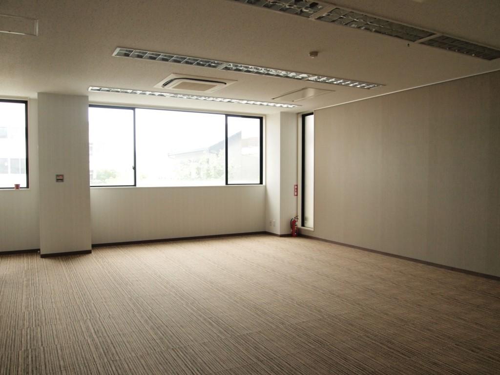 テナントスペースはとても広いお部屋です。