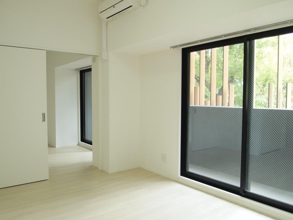 201号室は、LDKと可動間仕切りのある一室になっています。