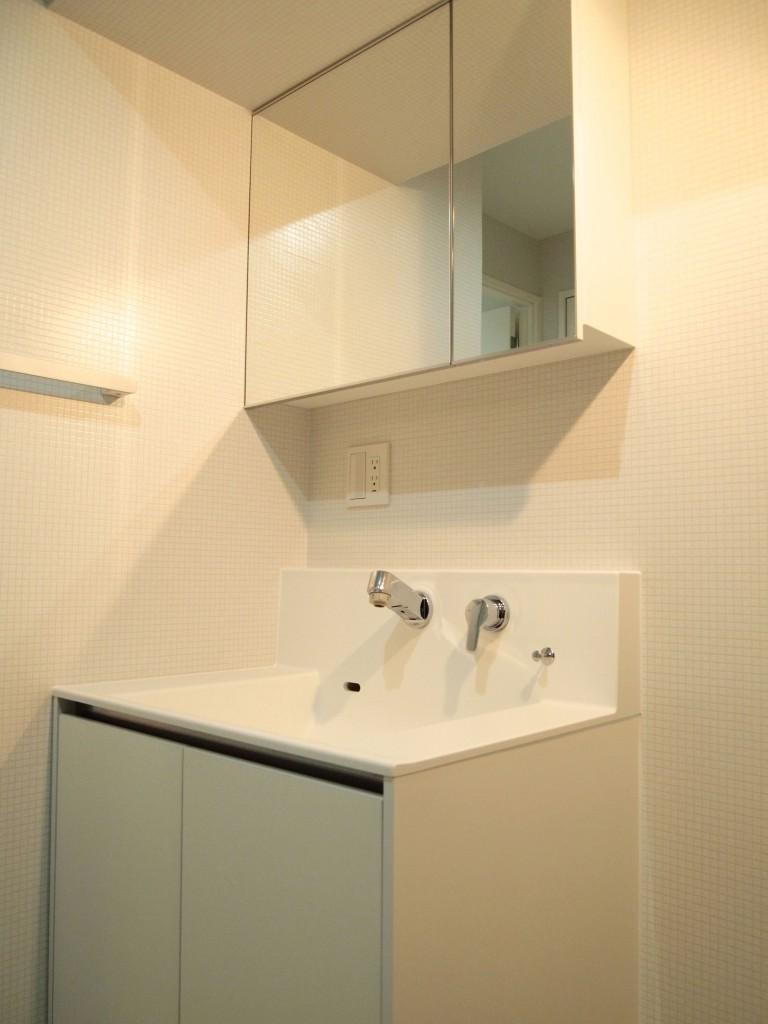201号室の洗面台です。洗面台は203号室と同じです。