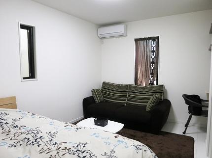 1階の個室です。こちらにも2階とは違った雰囲気のおしゃれな家具が完備されています。
