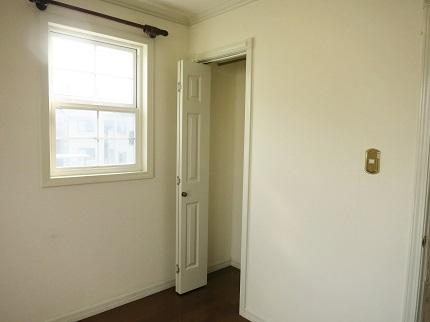 6帖の洋室にはクローゼットもあります。