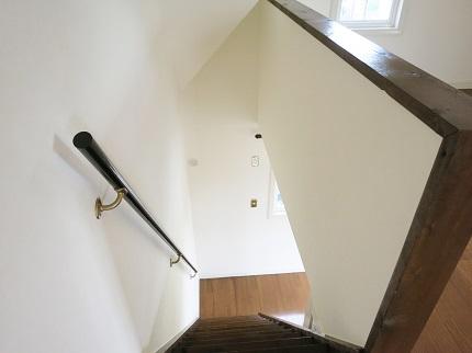 ロフトから2階のお部屋を見下ろした風景です。