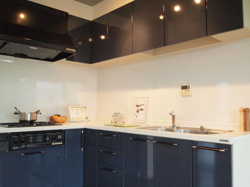 幅が広がる広いキッチン