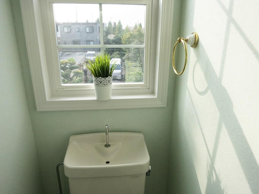 二階トイレからの景色もよく見える