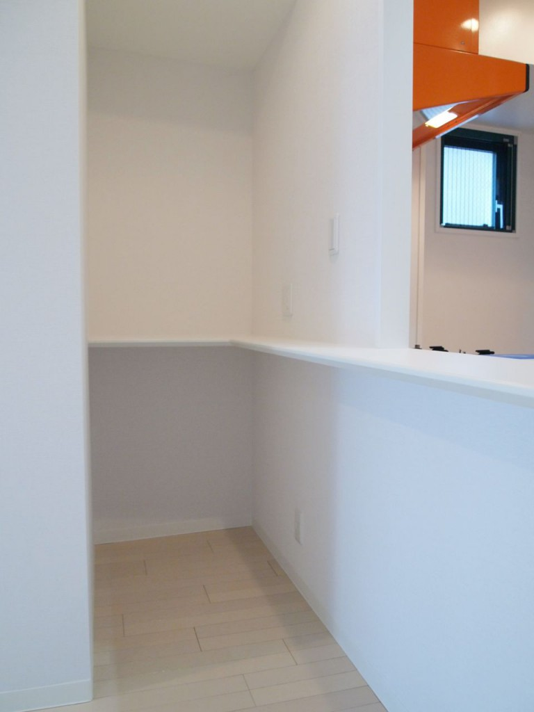 キッチンのカウンター奥の、自由に使える空間。