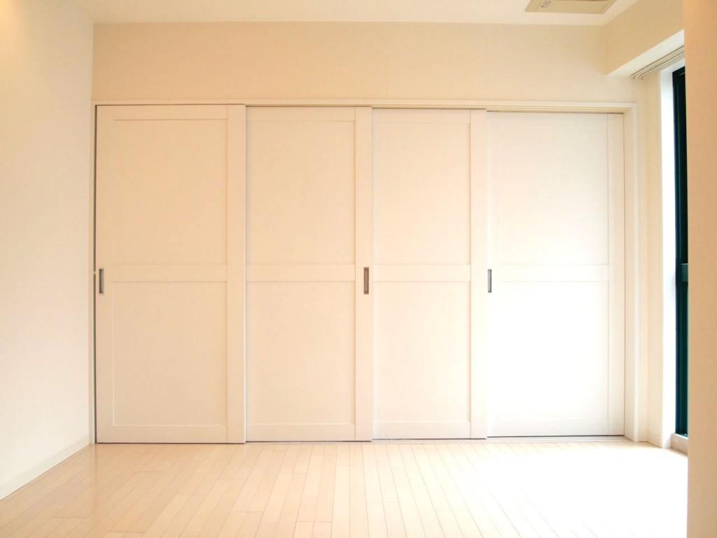 隣は可動式間仕切りの個室LDK