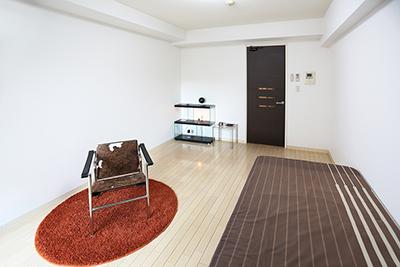 8.7帖の長方形のお部屋です。