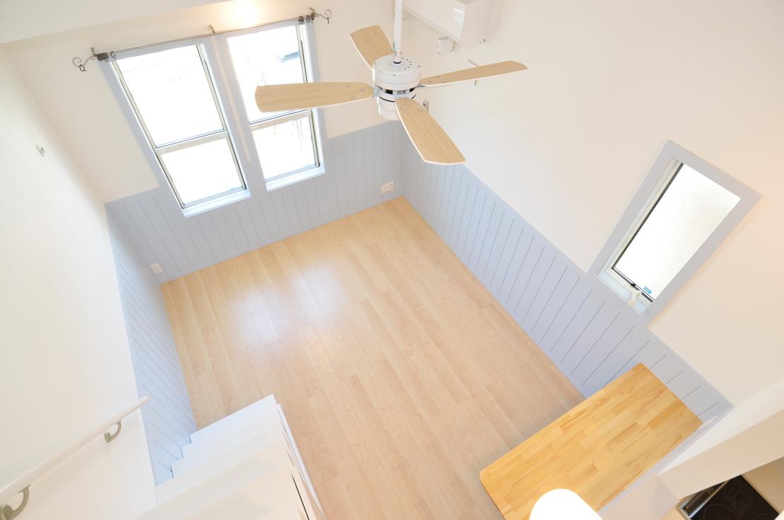 壁がかわいい水色&キッチンはシンプルな白色のお部屋_DSC_4687