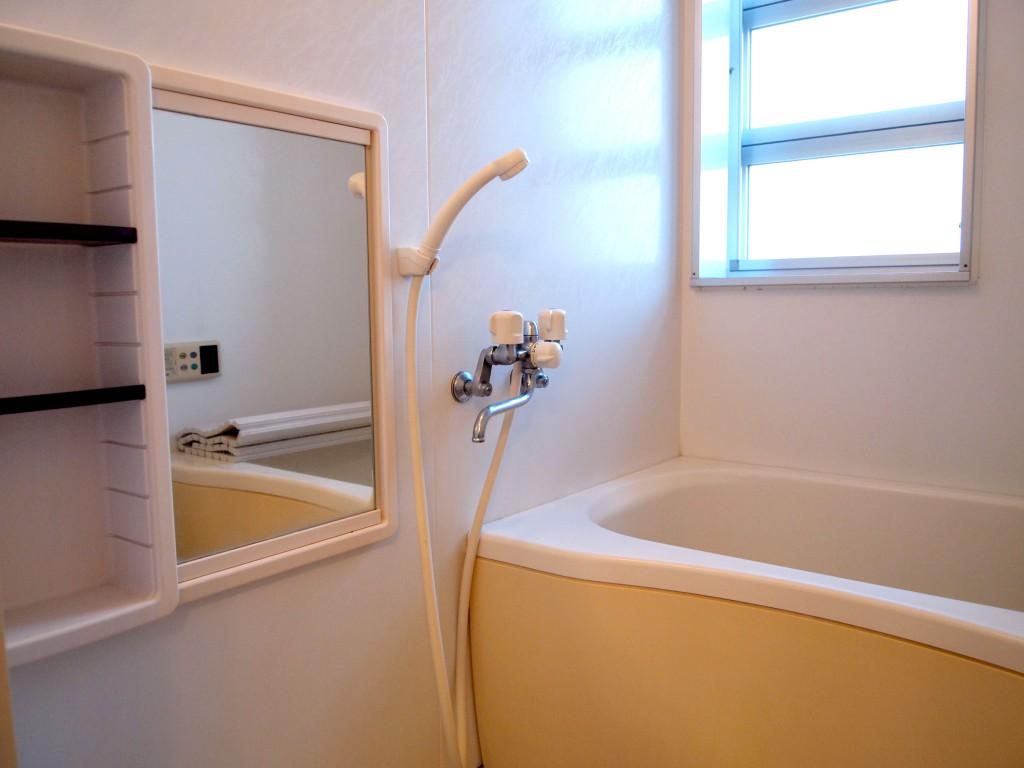 換気もバッチリな浴室