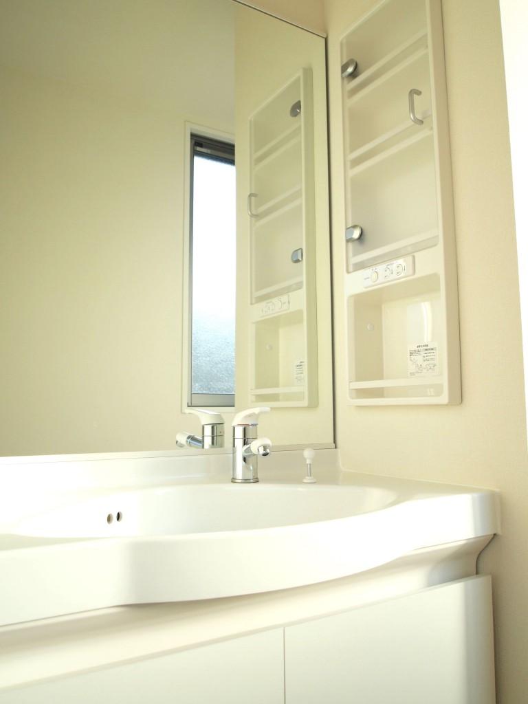 3階にも洗面台があるので、朝の用意で取り合いになりません。