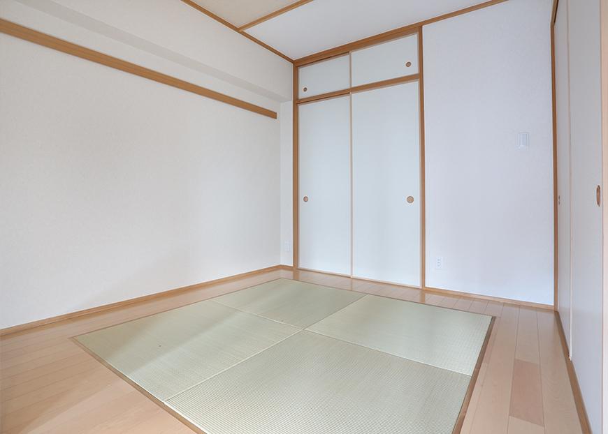 和室の奥には押し入れもあるので、寝室にもできます。