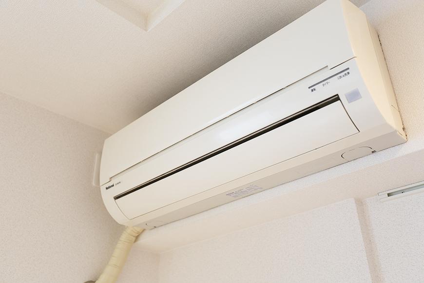 リビングにはエアコンも完備されています。