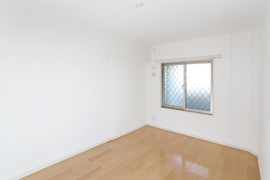 6.3帖の洋室にも窓が付いているので明るいお部屋です。