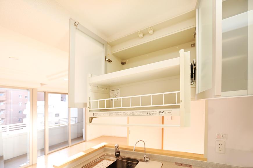 キッチンの上の棚も収納力抜群です。