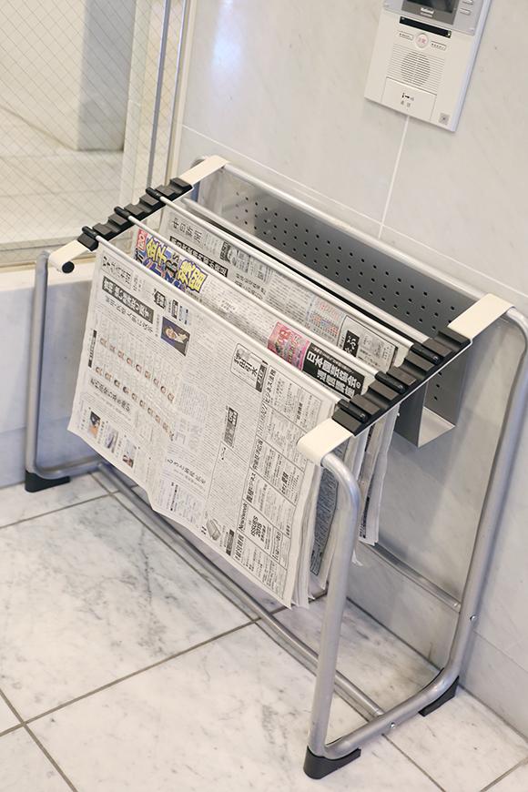新聞が備えられているので、いつでも新聞が読めます。