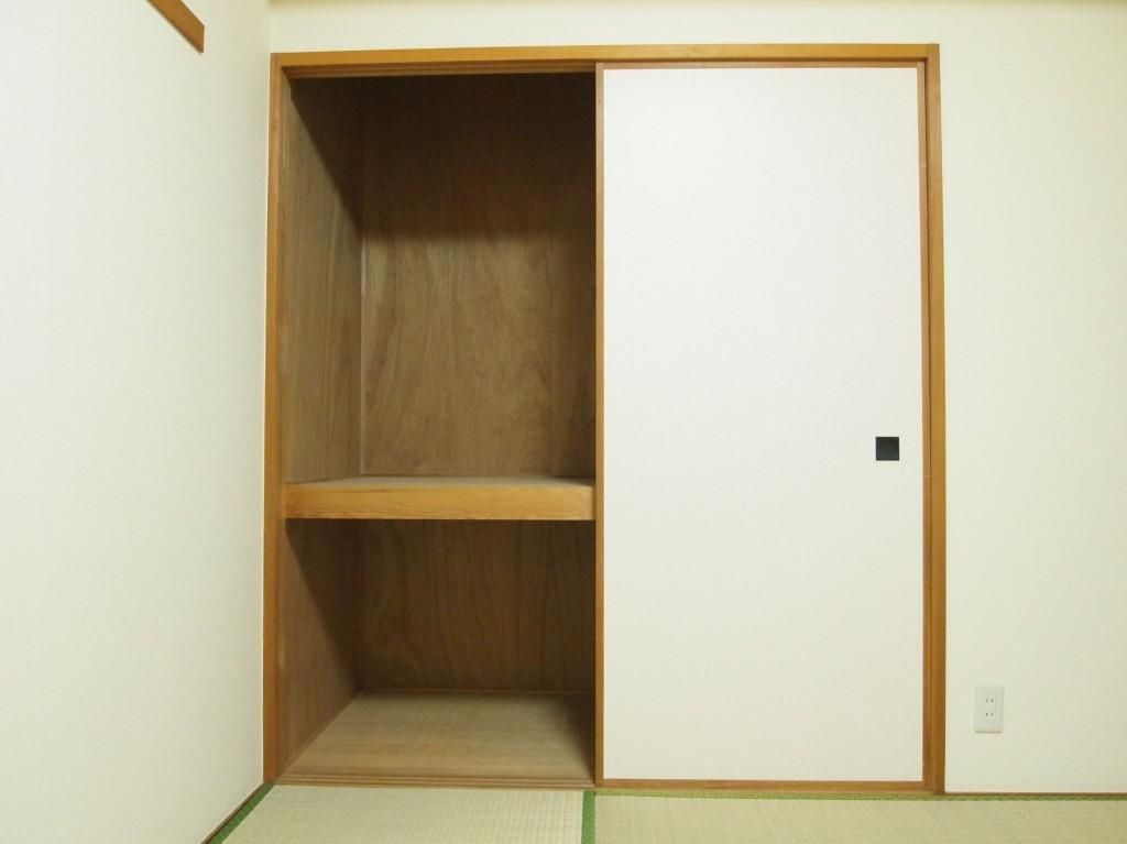 和室にはもちろん押し入れもついています。