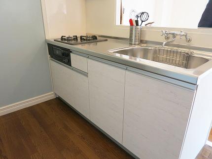 シンプルできれいなキッチンです。