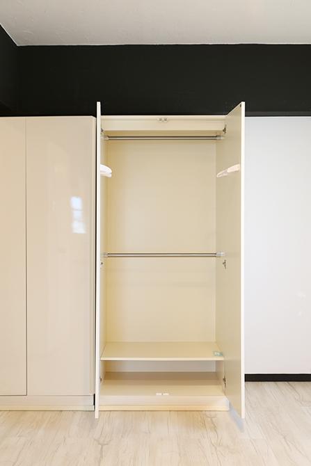 中は違うタイプの棚のクローゼット。8A0A7425_670
