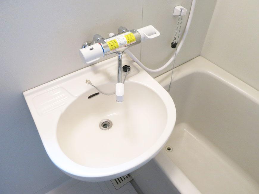 お風呂はもとからお湯の調節をしてくれるシャワーIMG_1714