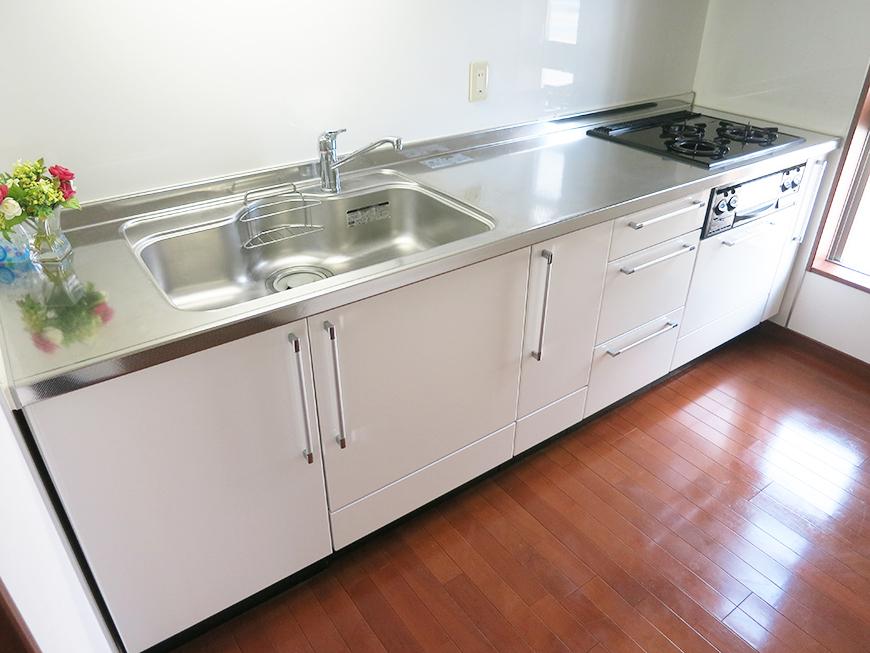 キッチンスペースもとても広く、使い方自由自在です♪IMG_2027