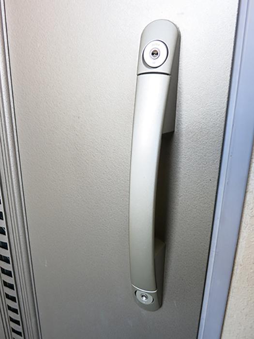 各戸のドアは、2重のディンプルキーで施錠できますIMG_2116