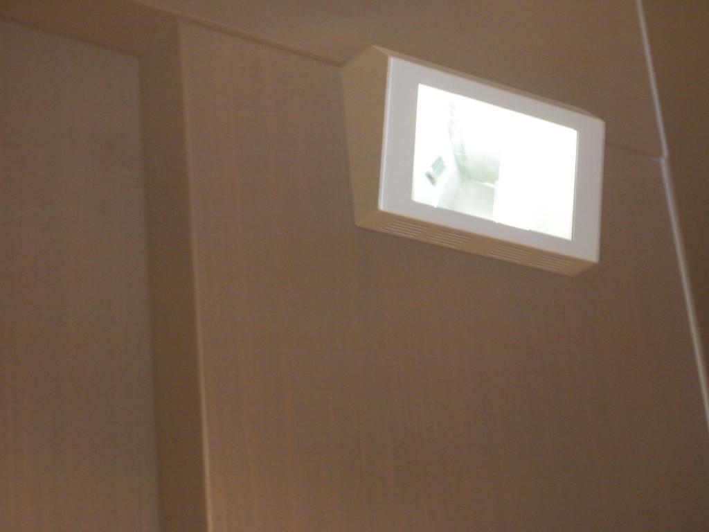 エレベーター内カメラ完備で安心OLYMPUS DIGITAL CAMERA