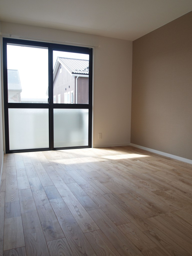 隣の洋室。OLYMPUS DIGITAL CAMERA