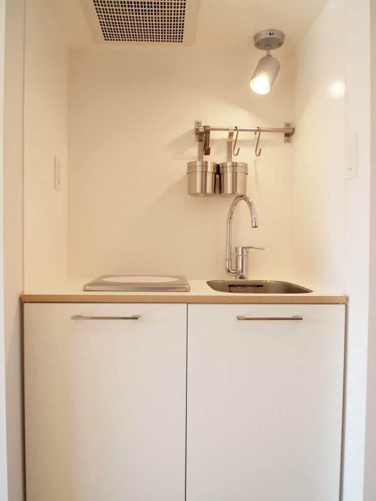 1口のIHコンロのキッチンは、TOMOS特徴のキッチン。