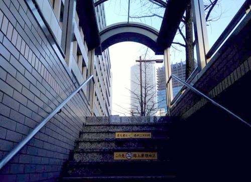 名古屋駅から徒歩5分、国際センター駅から徒歩1分の好立地!