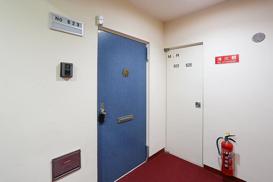 各ドアの色彩もなんともおしゃれ。8A0A7455_870