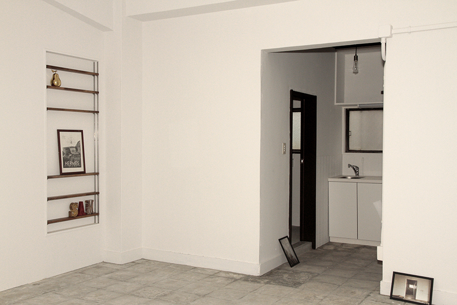 真っ白な壁がどのような色に変わるのか楽しみ。