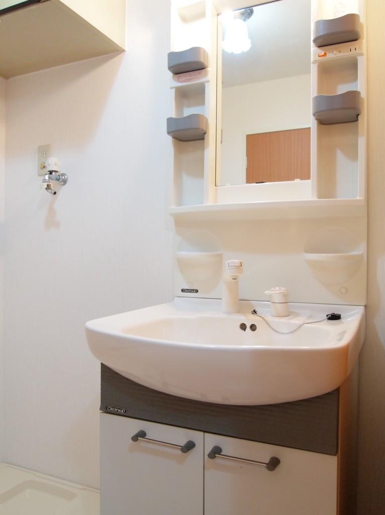 シンプルで使いやすそうな洗面です。