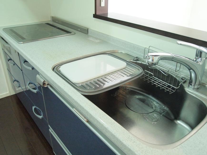 IHコンロのスマートな使いやすいキッチン。